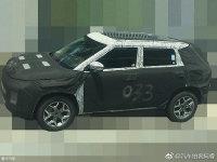 未来感挺强的SUV 曝吉利SX12路试谍照